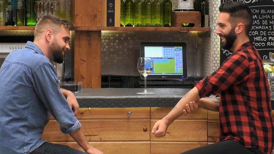 Sergio sorprèn Jordi a 'First dates': «És el tatuatge més gai que veuràs en la teva vida»