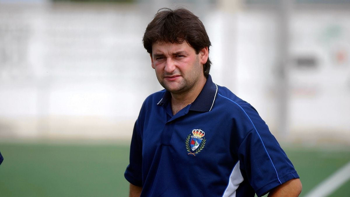 Sergio Pina, en su etapa como entrenador del Santa Isabel, en Regional Preferente.