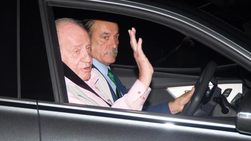 El rei Joan Carles «evoluciona satisfactòriament» i romandrà a la UCI