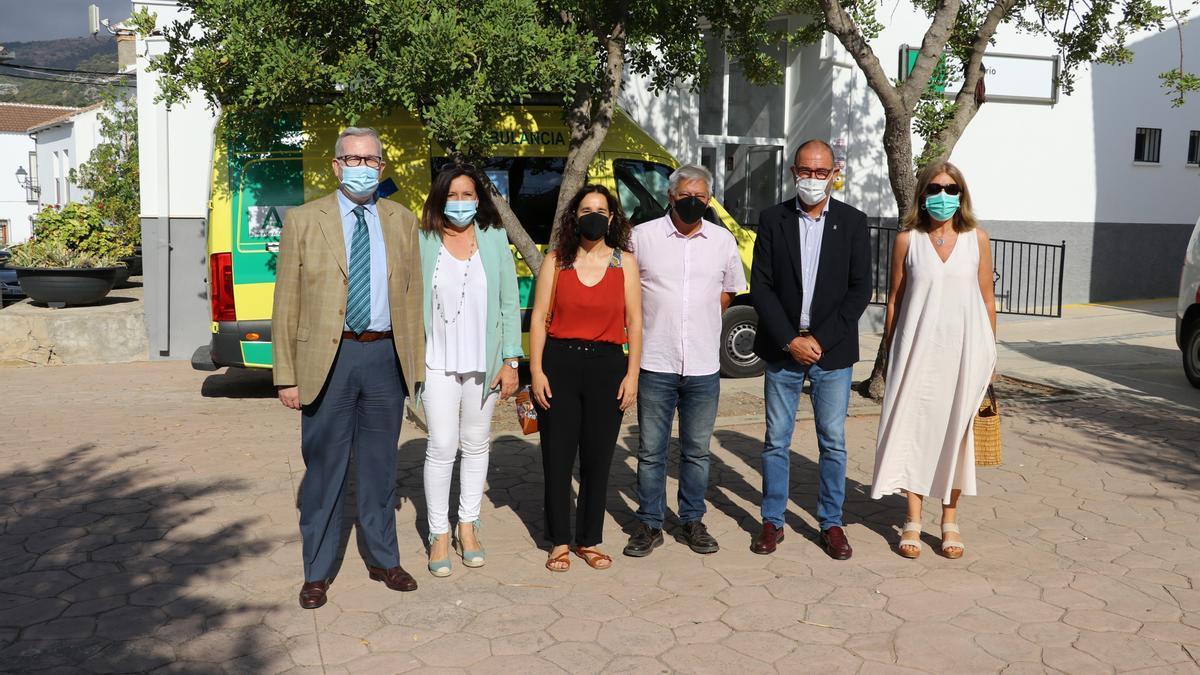 Visita a las nuevas instalaciones sanitarias en El Burgo
