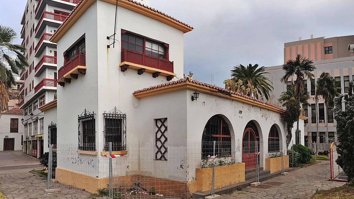 Casa del Césped en la Plaza de la Constitución de Santa Cruz de La Palma. | | R.P.