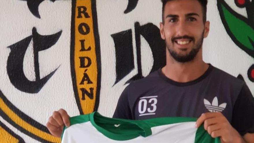 Seis partidos de sanción al jugador del Roldán que agredió a un rival