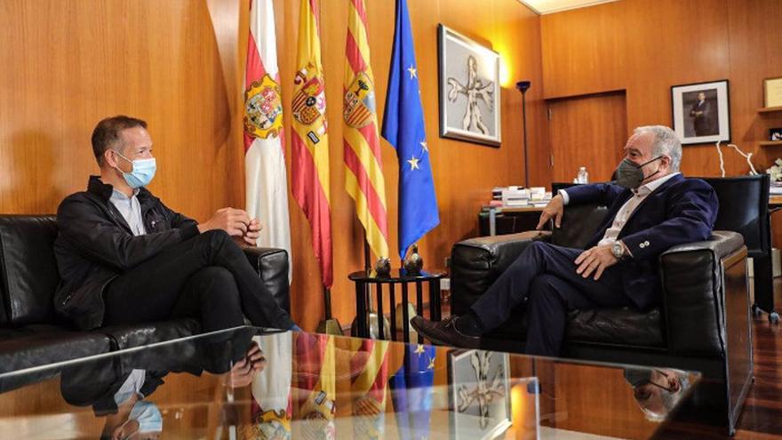 El presidente de la DPH traslada la necesidad de que las administraciones locales puedan gestionar fondos europeos