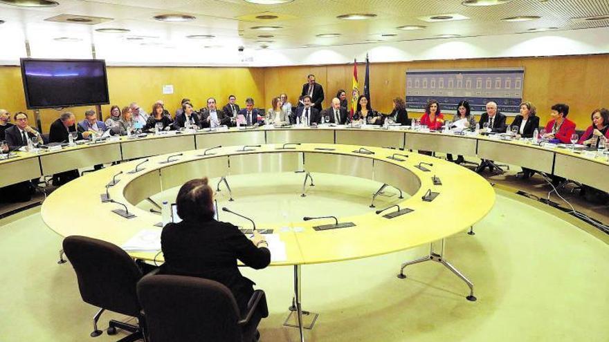Montero siembra dudas del alcancedel 'perdón' de la deuda autonómica