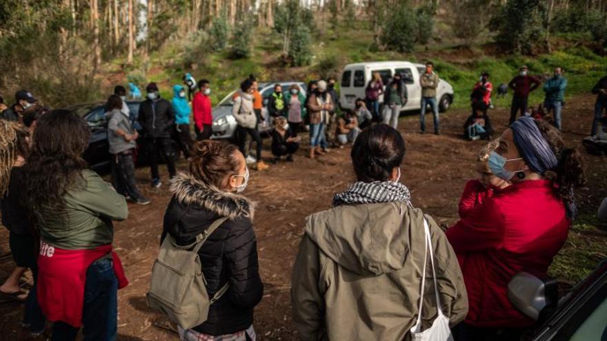 Asamblea sobre la migración irregular en el campamento de Las Raíces