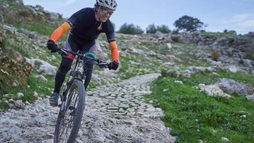 Las 14 rutas para ciclistas de la Subbética ya están señalizadas