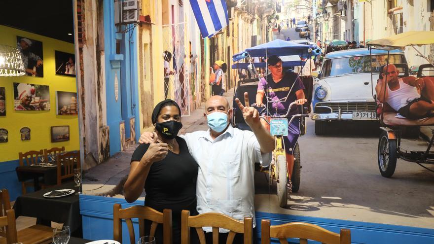 """""""Cuando un país emigra, los gobernantes sobran"""", la comunidad cubana de Zaragoza reacciona a las protestas"""