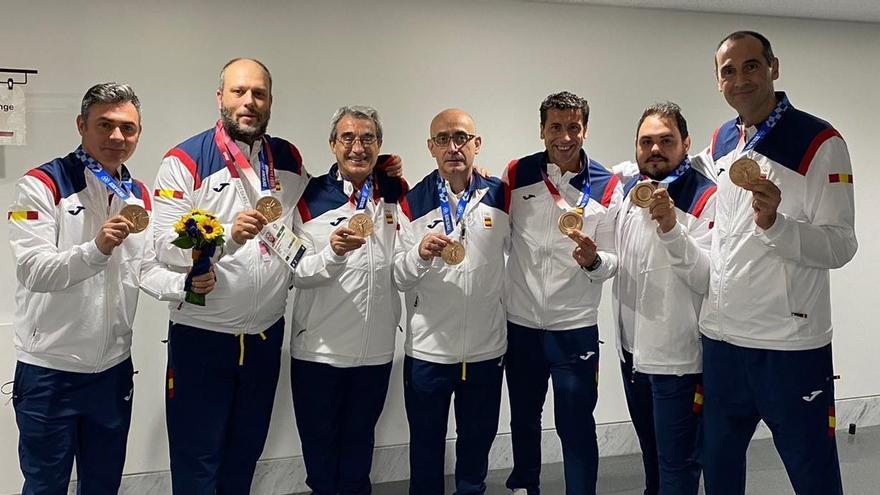 César Montes conquista un histórico bronce olímpico con la selección de balonmano