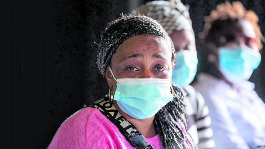 Menores devuelve sus hijos a cinco mujeres llegadas en patera a Fuerteventura