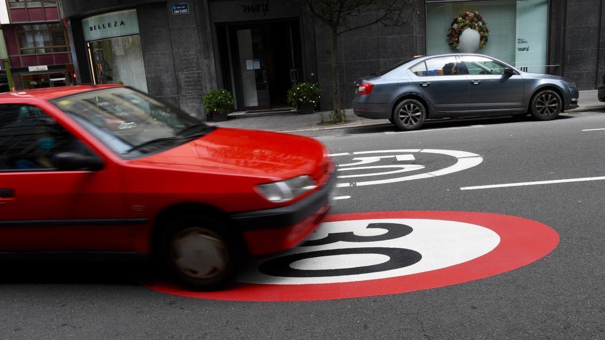 A Coruña insta a respetar la velocidad máxima de 30 kilómetros por hora