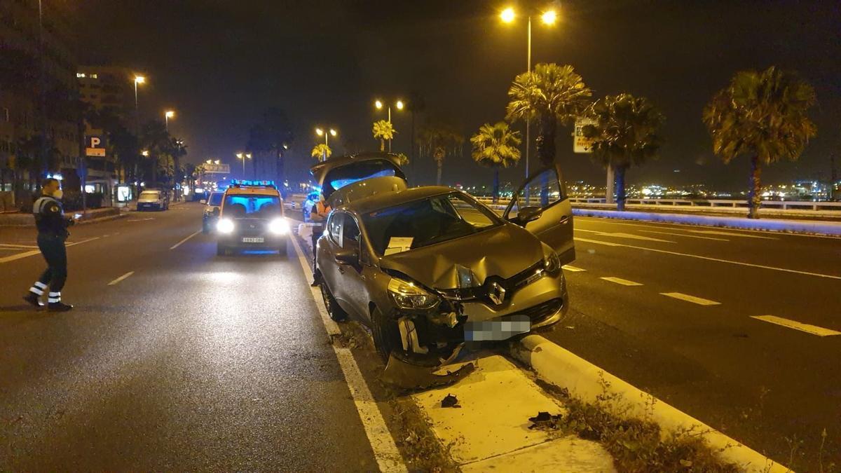 Se saltan el toque de queda, dan positivo y sufren un accidente en Las Palmas de Gran Canaria