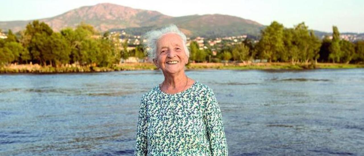 Clementina Ozores, Tinita, en una imagen de 2018 junto al río Miño.