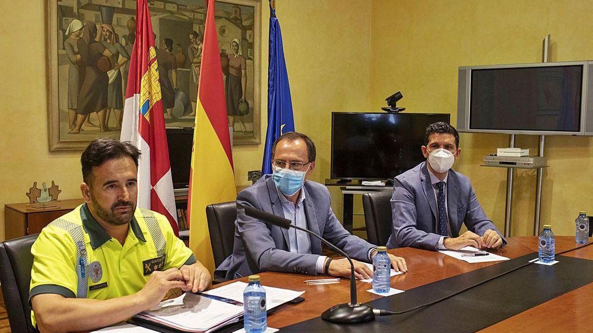 César Gustavo Quijada, Ángel Blanco y Eduardo Polo presentan la campaña en la capital.