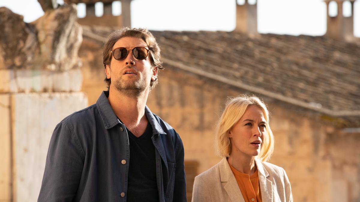Gemeinsam ermitteln Max (Julian Looman) und Miranda (Elen Rhys) in einem Vermisstenfall. Die Spur führt zu einer Forensikerin.