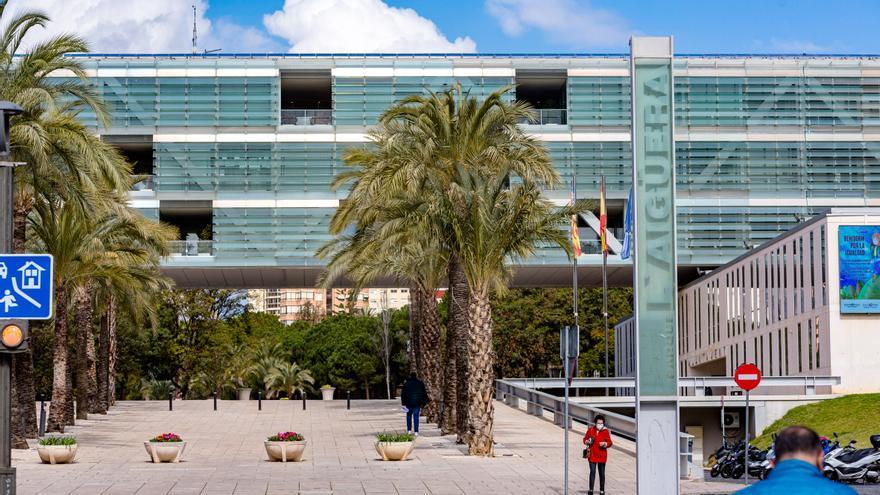 Benidorm aprueba 1,6 millones de euros en ayudas directas a más de 130 alojamientos turísticos