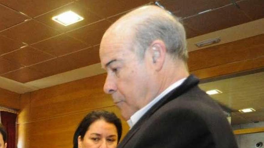La codirectora del documental de Resines carga contra Ravella por su falta de previsión