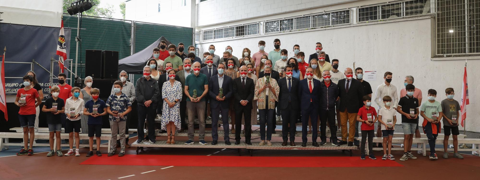 El Grupo Covadonga entrega sus distinciones como colofón a sus fiestas