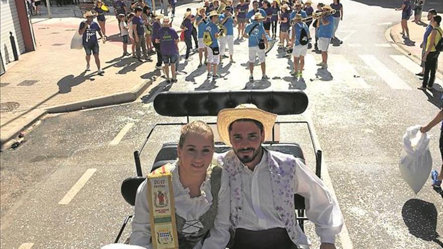 Sant Xotxim vive su día grande con el popular pasacalle y la procesión
