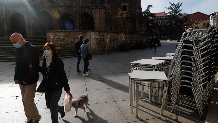 """Asturias empieza a doblegar la curva de coronavirus un mes después de cerrar los bares pero Barbón advierte que """"seguimos en riesgo extremo"""""""