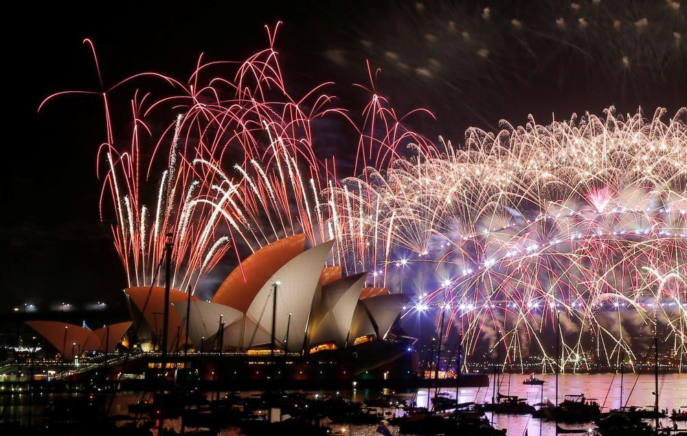 Fuegos artificiales en el Año Nuevo de Sydney.