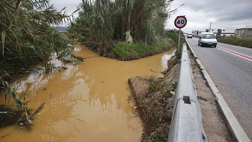 Alzira frena el desvío para priorizar las obras contra barrancadas en el polígono