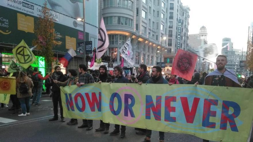 Protesta en la Gran Vía de Madrid contra el cambio climático