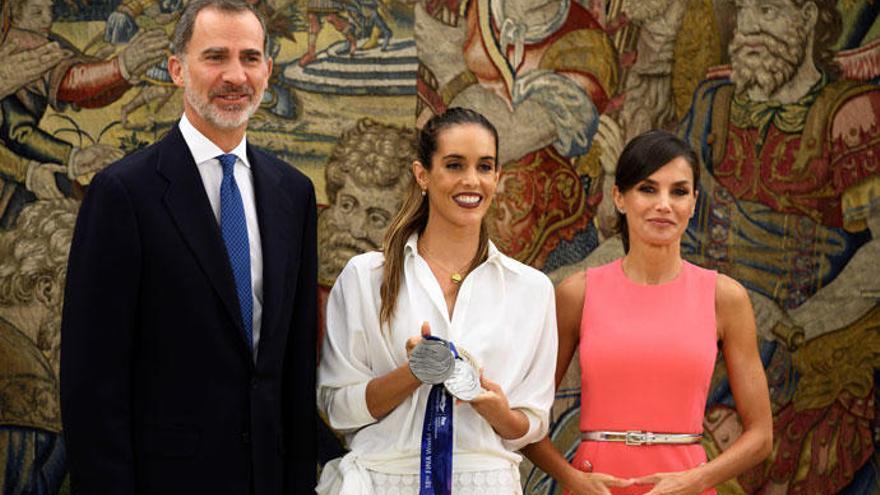 Los Reyes reciben a Ona Carbonell en La Zarzuela