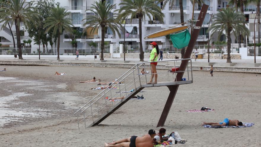 Los hoteleros alertan del peligro de iniciar una guerra de precios en Ibiza