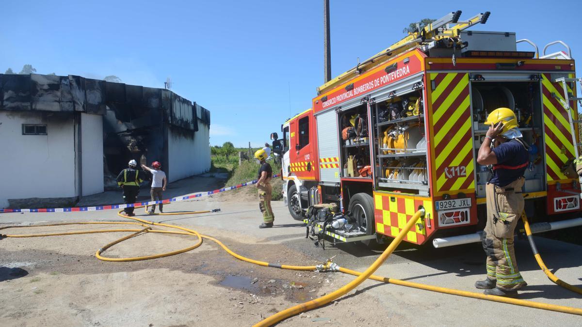 Los bomberos, en una intervención del pasado mes de julio