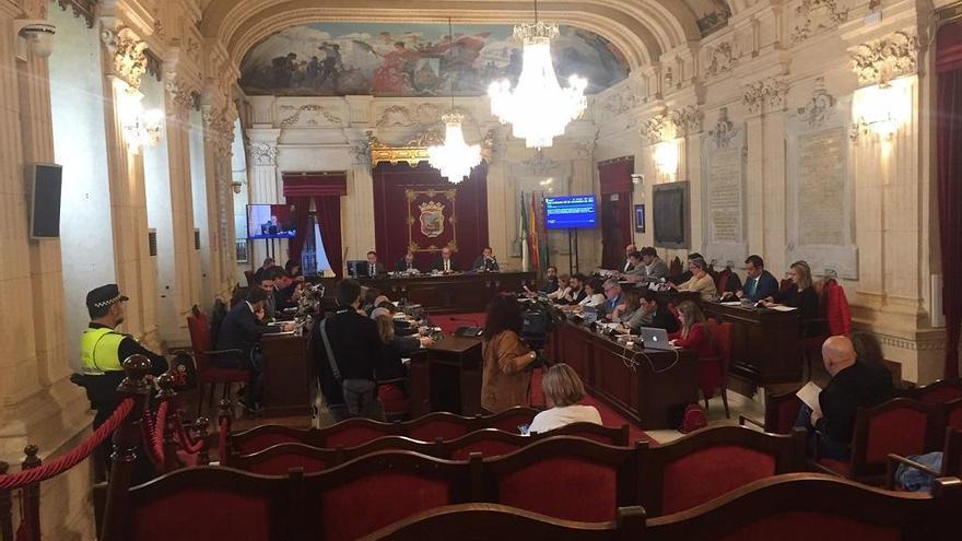 El Ayuntamiento pide a Susana Díaz que dimita por la sentencia de los ERE