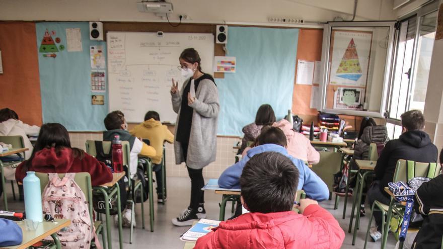 Los contagios escolares en la provincia de Alicante bajan al nivel de antes de Navidad