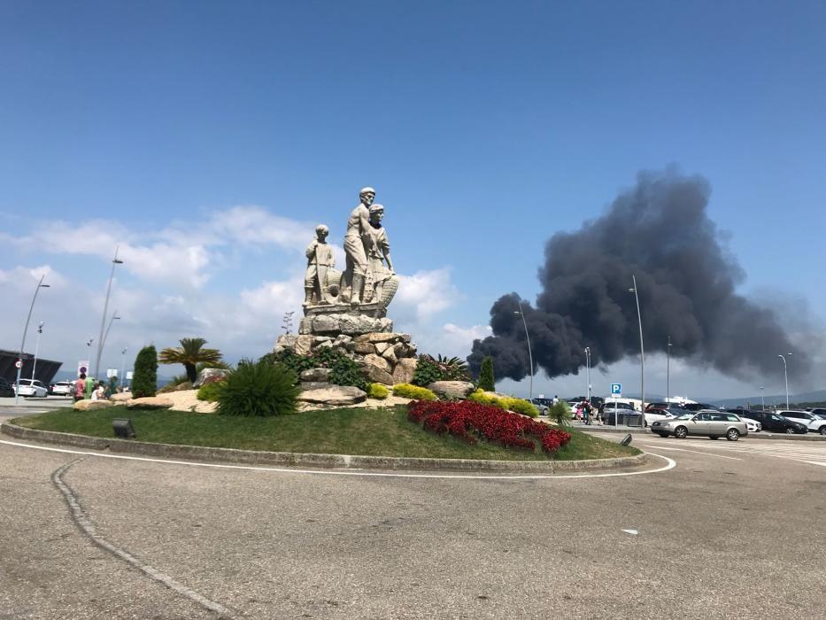 Arde un catamarán de pasajeros en A Toxa