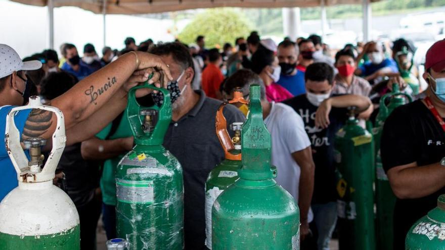 La falta de oxígeno colapsa el sistema sanitario en Manaos