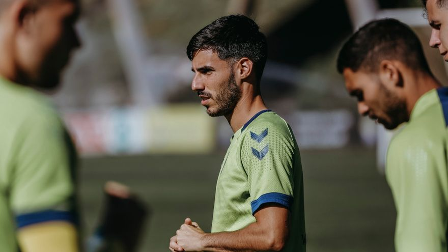 """Fabio 'Autocrítica' González: """"No se gana por lucir el escudo de la UD"""""""