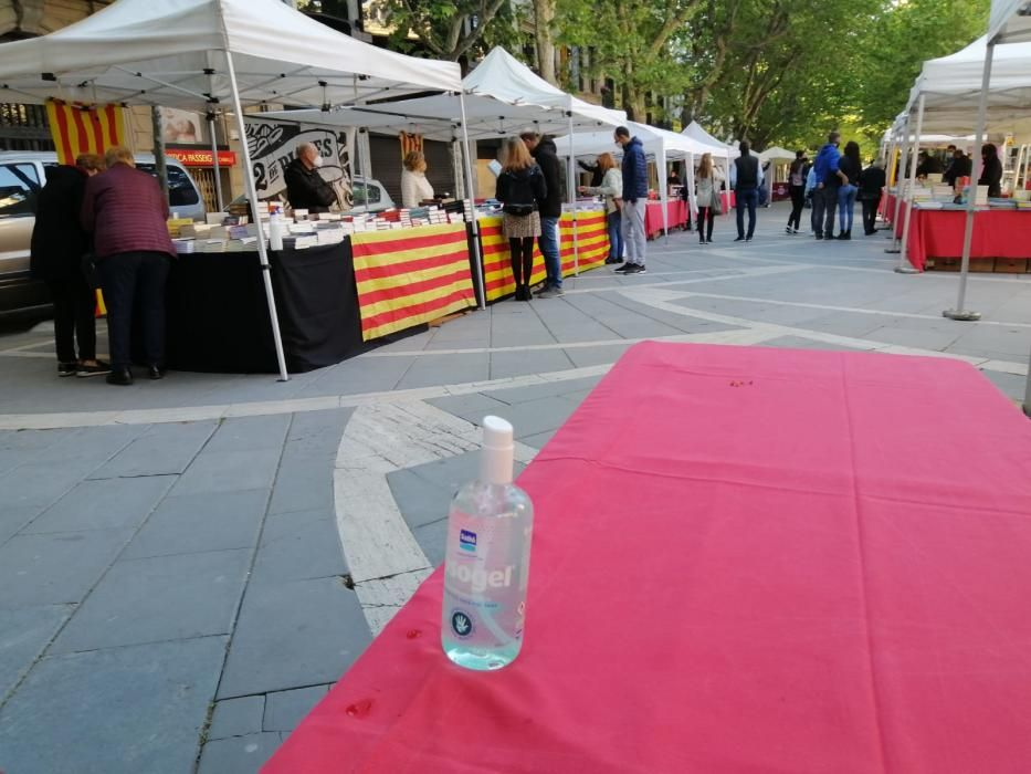 Parades a Manresa per celebrar Sant Jordi 2021