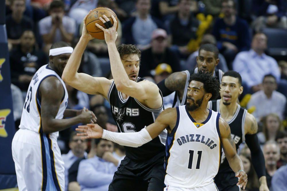 San Antonio Spurs - Memphis Grizzlies Basketball