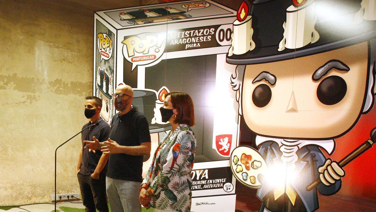 Bernal, Juan Royo y Sara Fernández durante la presentación de la exposición.