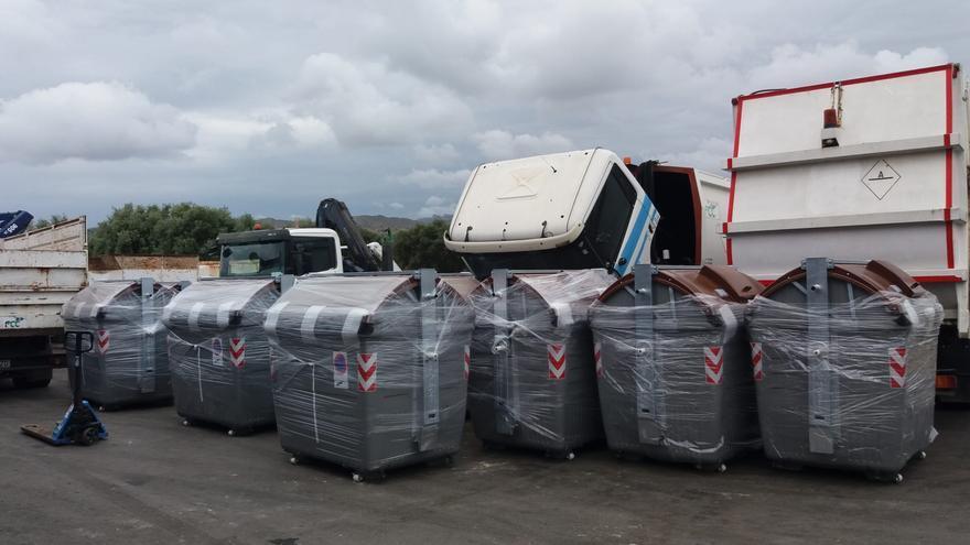 El Campello invierte 40.000 € en la renovación de los contenedores de residuos del centro urbano y Muchavista