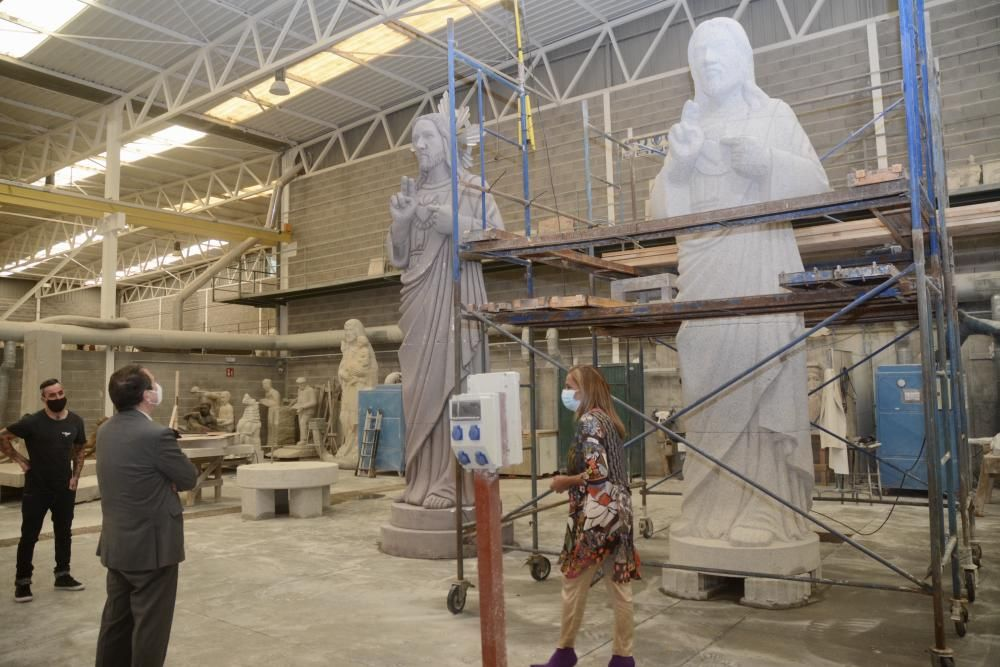 Una figura del Sagrado Corazón de 5 metros y 7 toneladas se instalará en lo alto de la torre de la ermita.