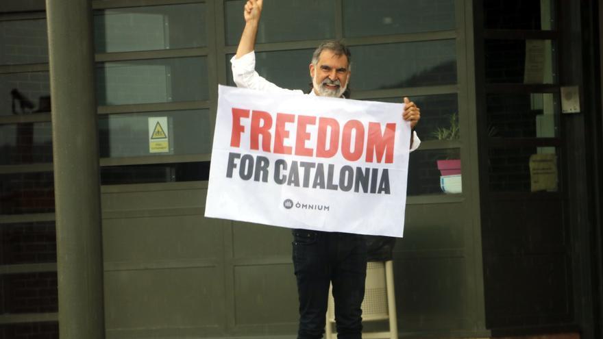 Els presos independentistes surten lliures després de l'indult