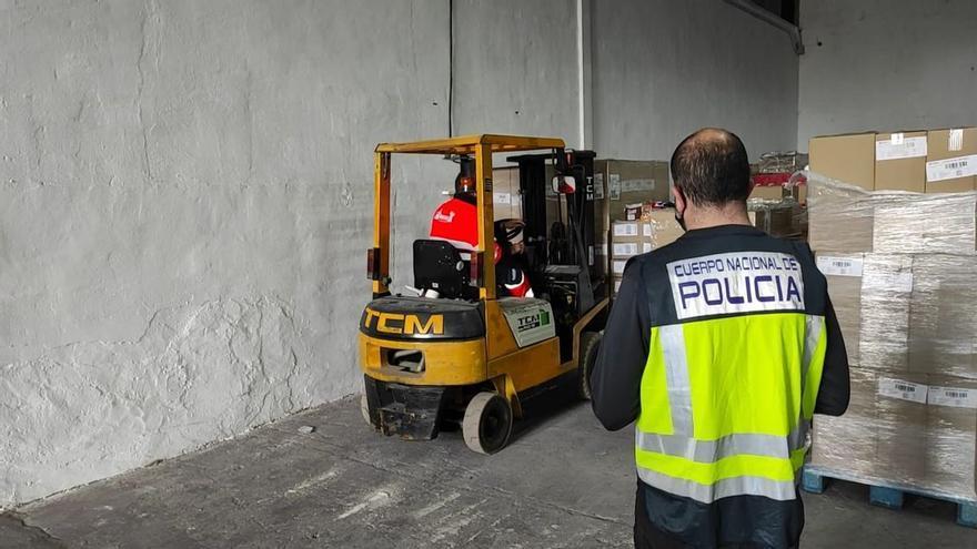 Roba un camión con 250.000 euros en chocolate en Callosa de Segura y lo revende por solo 1.200 en Alicante