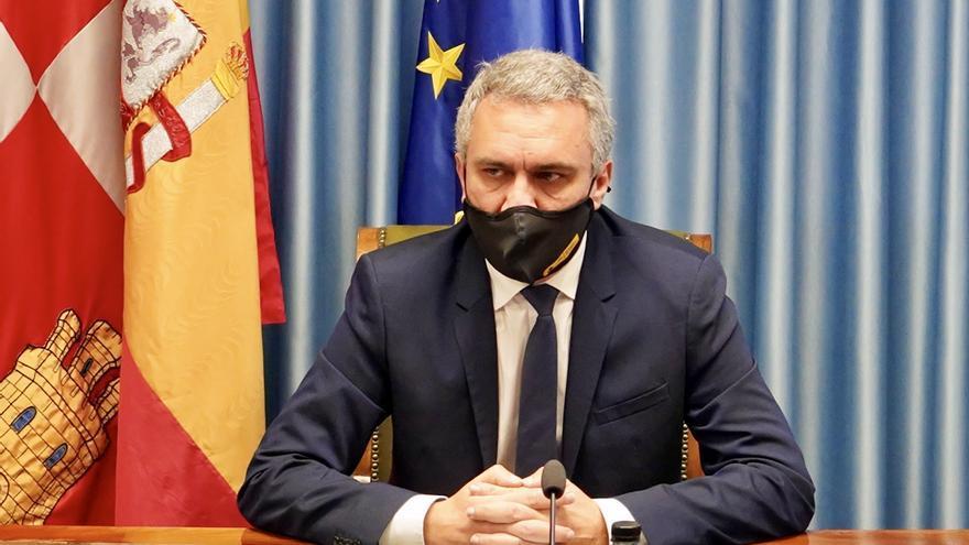"""Izquierdo recalca que mientras no se pronuncie el Supremo el adelanto del toque de queda en Castilla y León """"hay que cumplirlo"""""""