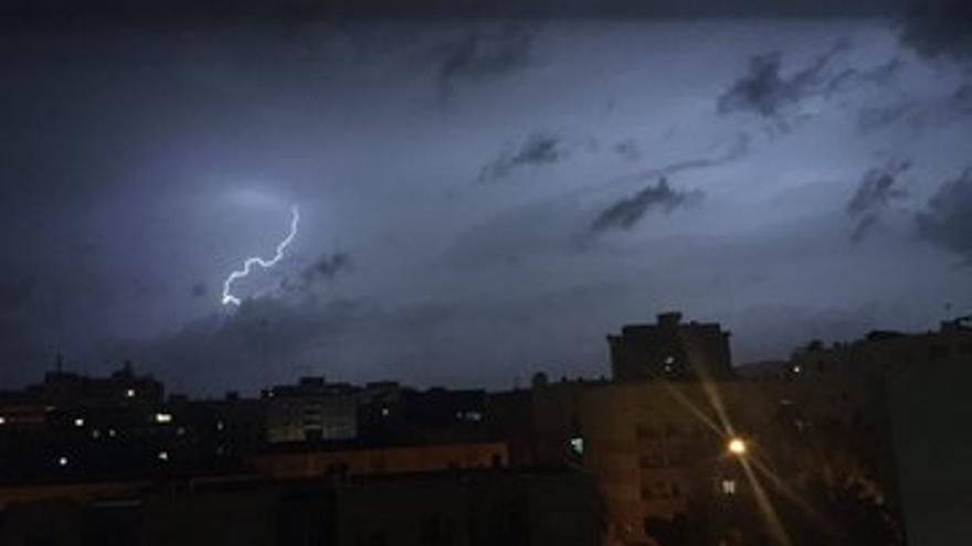 Mallorca, en alerta por fuertes lluvias y tormentas