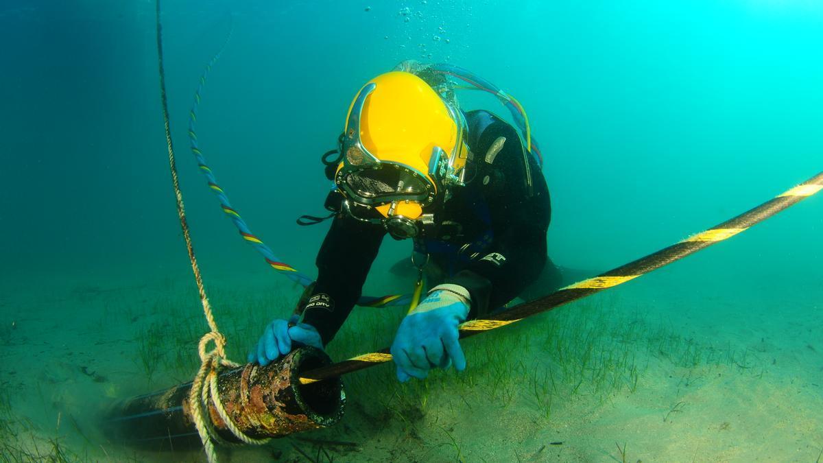 Los enlaces, al llegar a la costa, discurren bajo el fondo submarino para no afectar las praderas de posidonia.