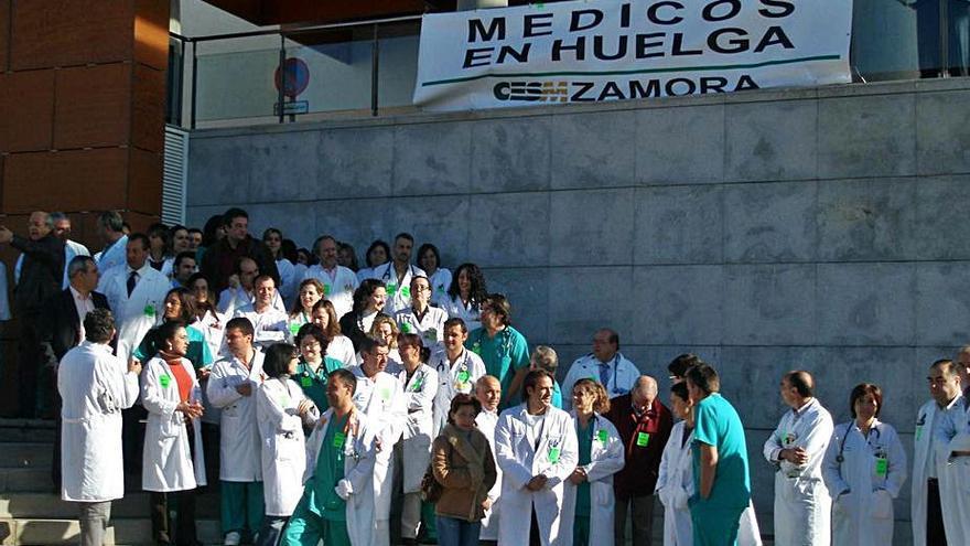 El Sindicato Médico convoca huelga indefinida desde el 27 de octubre