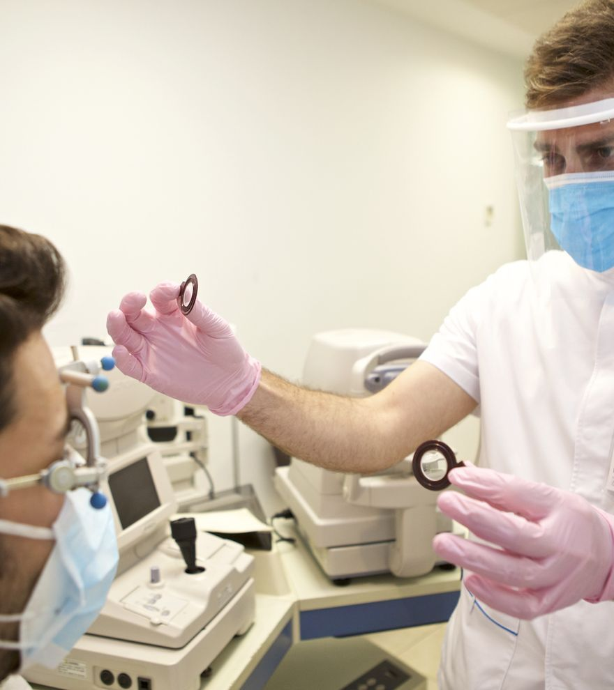 El auge de la operación de miopía en pacientes con gafas tras un año con mascarilla