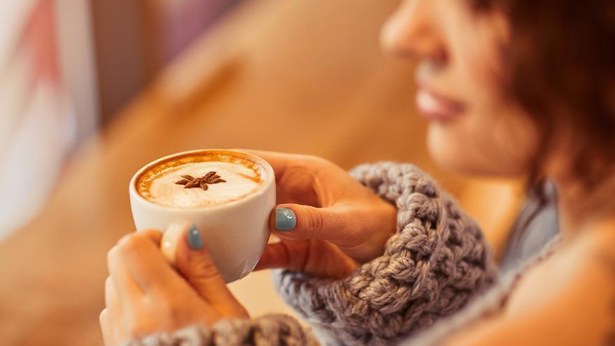 Un estudio apunta que beber más de 2 tazas de café al día reduce el 44% la mortalidad