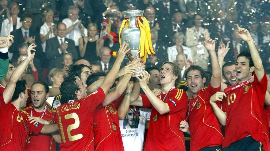 España triunfa cuando menos futbolistas del Madrid tiene