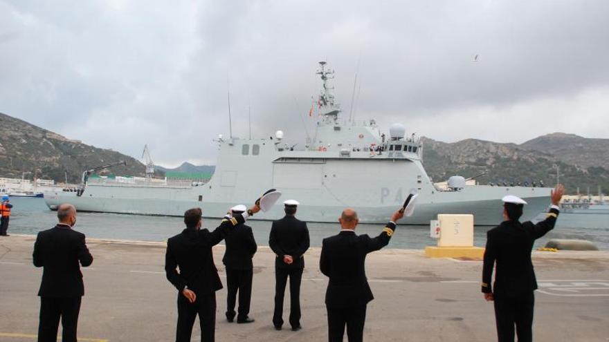 'Furor' en el Arsenal: el buque más moderno de la Armada visita Gran Canaria