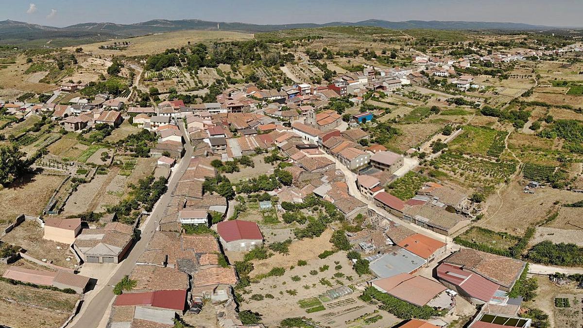 Vista aérea de Figueruela de Arriba y una parte del término. | Ch. S.